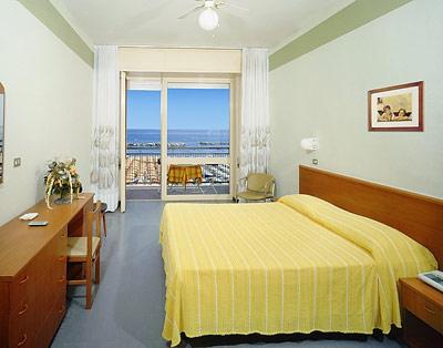 Hotel Belsoggiorno (Cattolica, Adria, Italia) Htls.it