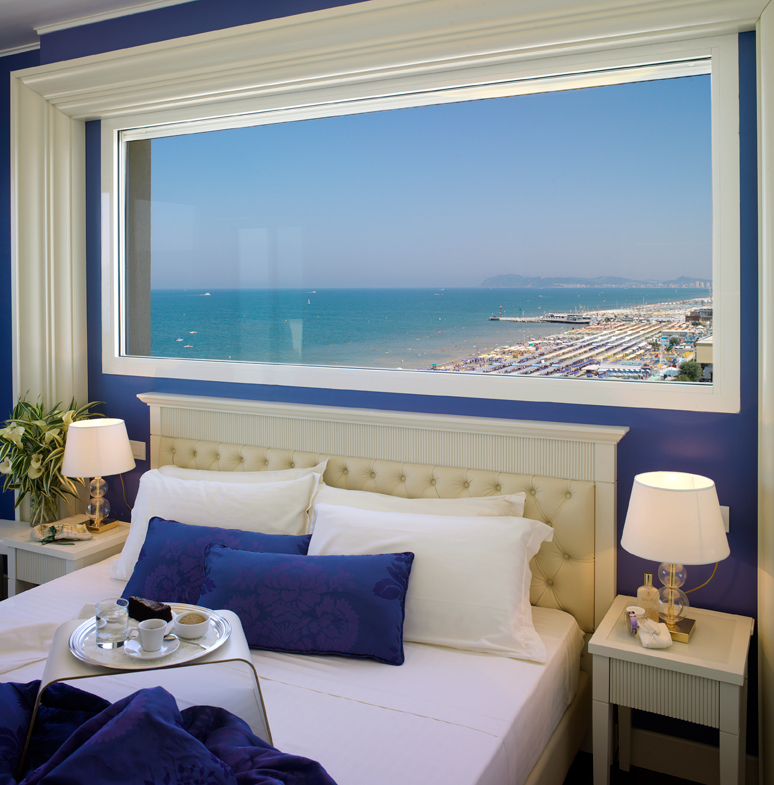 Hotel Tiffanys Riccione Italien Htls It